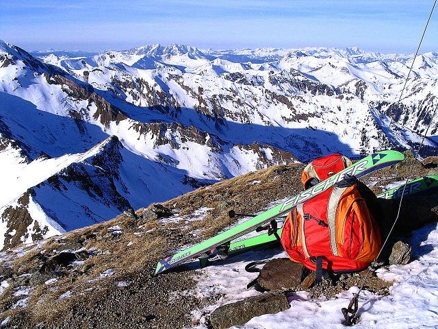 Foto: Andreas Koller / Ski Tour / Aus dem Scharnitzgraben auf den Großhansl (2315m) / Blick vom Gipfel nach NW zum Grimming (2351 m) und zum Toten Gebirge / 29.12.2007 16:46:30