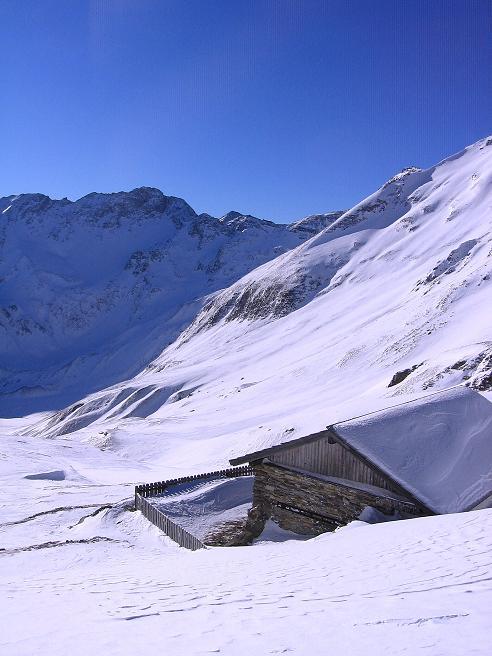 Foto: Andreas Koller / Ski Tour / Hagener Hütte und Greilkopf (2581m) / Kurz unterhalb der Hagener Hütte / 03.01.2008 17:55:16