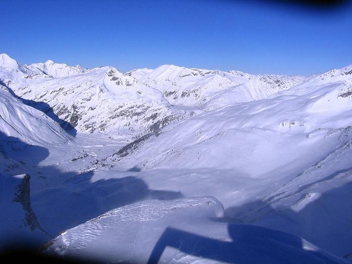 Foto: Andreas Koller / Ski Tour / Hagener Hütte und Greilkopf (2581m) / Blick nach N zum Nassfeld bei Sportgastein / 03.01.2008 17:54:10
