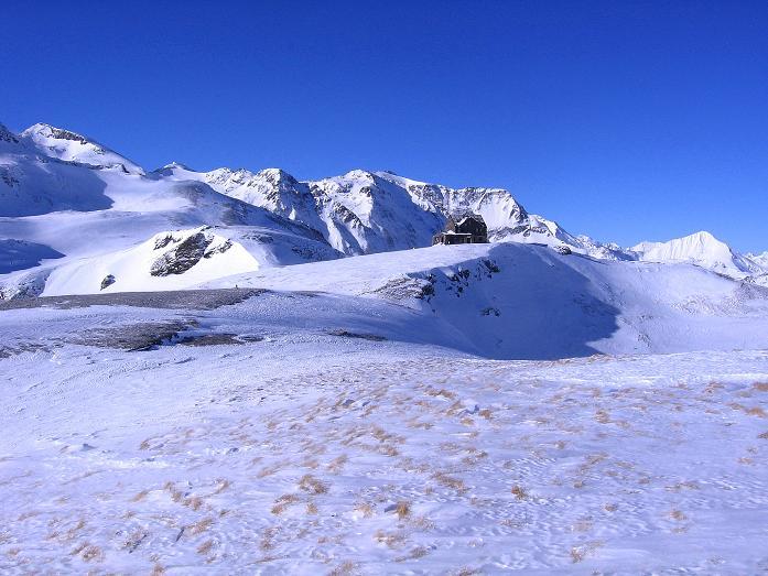 Foto: Andreas Koller / Ski Tour / Hagener Hütte und Greilkopf (2581m) / Rückblick zur Hagener Hütte am Mallnitzer Tauern / 03.01.2008 17:53:09