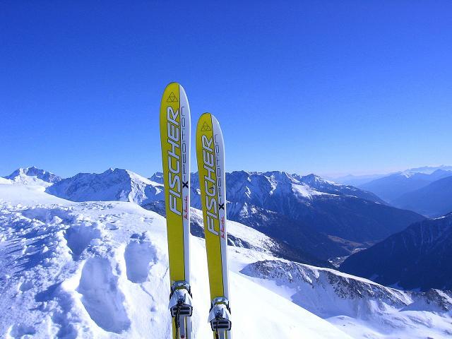 Foto: Andreas Koller / Ski Tour / Hagener Hütte und Greilkopf (2581m) / Blick vom Greilkopf ins Kärntner Mölltal / 03.01.2008 17:50:45