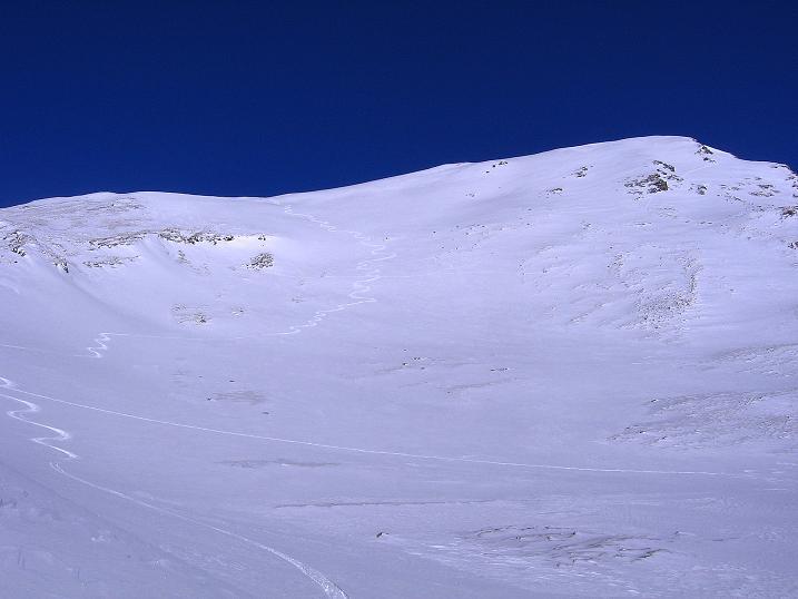 Foto: Andreas Koller / Ski Tour / Hagener Hütte und Greilkopf (2581m) / Der Greilkopf mit seiner S-Flanke (Abfahrt) / 03.01.2008 17:49:22