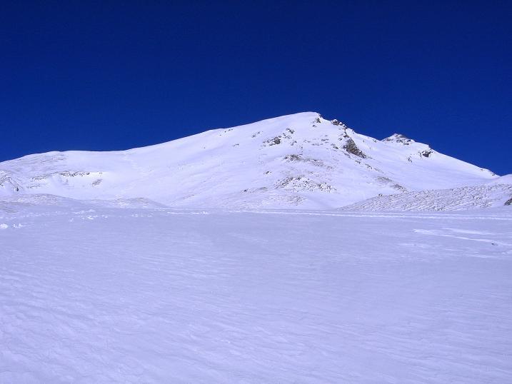 Foto: Andreas Koller / Ski Tour / Hagener Hütte und Greilkopf (2581m) / Letzter Blick auf den Greilkopf mit seiner weitem S-Flanke / 03.01.2008 17:48:34