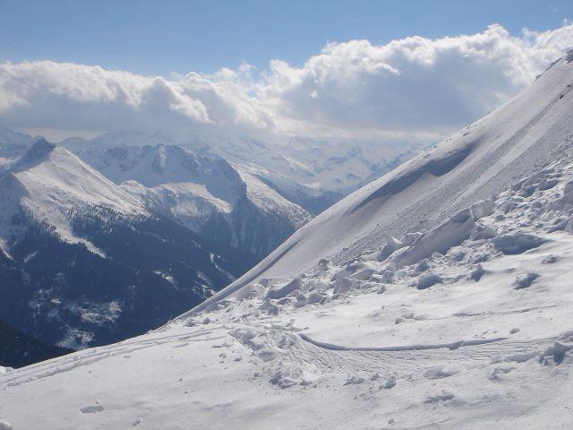 Foto: Manfred Karl / Ski Tour / Über den Frauenkogel zur Badgasteiner Hütte / Unterhalb der Gipfelwechte / 10.01.2008 21:19:52