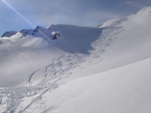 Foto: Manfred Karl / Ski Tour / Über den Frauenkogel zur Badgasteiner Hütte / Im Folgenden einige Impressionen von der Abfahrt über die Südostroute des Gamskarkogels. / 10.01.2008 21:17:32