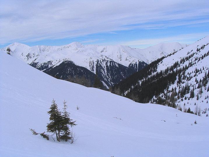 Foto: Andreas Koller / Ski Tour / Zwei Gipfel aus dem Gullinggraben (2196 m) / Aufstieg mit Blick zu Seekoppe (2150 m) und zum Hochrettelstein (2220 m) / 21.01.2008 15:50:36