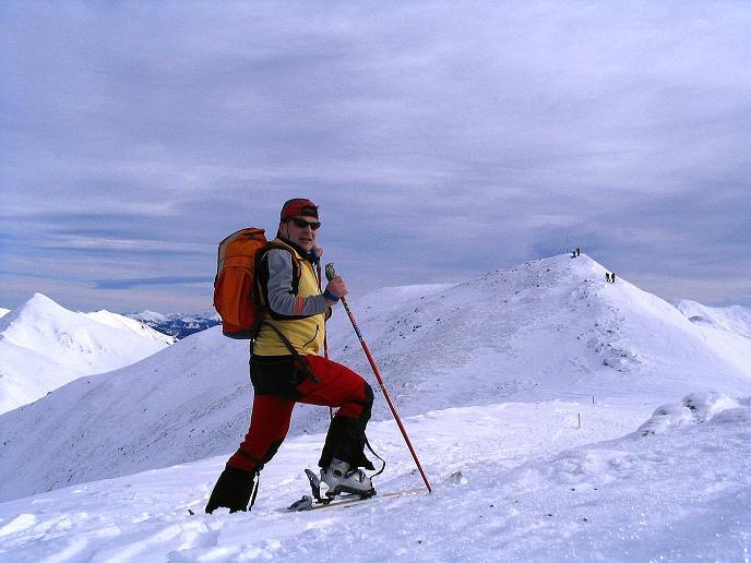Foto: Andreas Koller / Ski Tour / Zwei Gipfel aus dem Gullinggraben (2196 m) / Blick vom Vorgipfel zum Hauptgipfel des Hochschwung / 21.01.2008 15:48:28