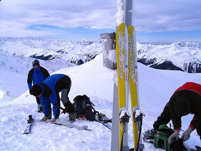 Foto: Andreas Koller / Ski Tour / Zwei Gipfel aus dem Gullinggraben (2196 m) / Ausblick nach W genießen: die Schladminger Tauern / 21.01.2008 15:46:45