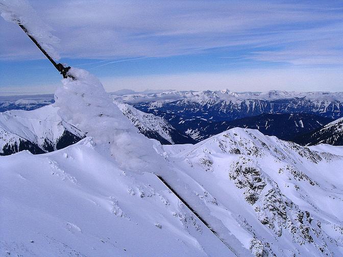 Foto: Andreas Koller / Ski Tour / Zwei Gipfel aus dem Gullinggraben (2196 m) / Blick zum Sommereck mit Totem Gebirge im Hintergrund / 21.01.2008 15:45:29