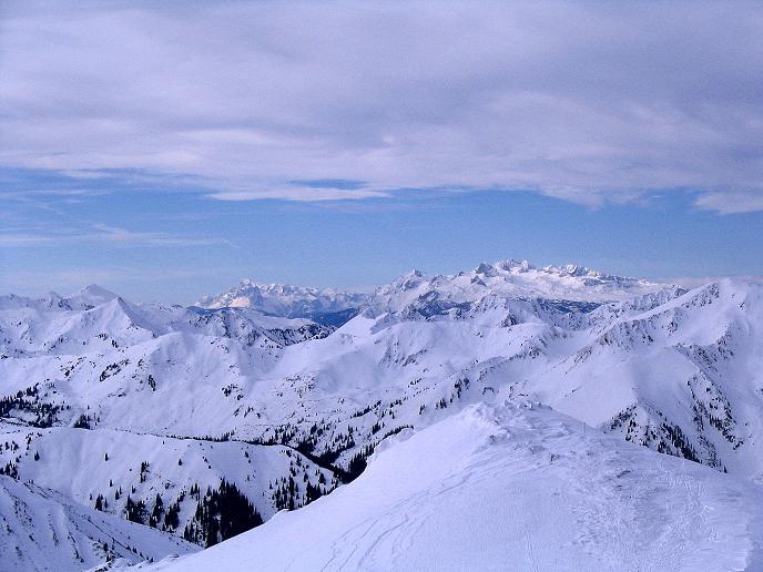 Foto: Andreas Koller / Ski Tour / Zwei Gipfel aus dem Gullinggraben (2196 m) / Blick nach NW zum Dachstein (2996 m) und zum Hochkönig (2943 m) / 21.01.2008 15:44:57