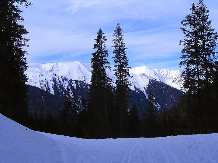 Foto: Andreas Koller / Ski Tour / Zwei Gipfel aus dem Gullinggraben (2196 m) / Bei der Abfahrt Blick nach NW / 21.01.2008 15:41:45