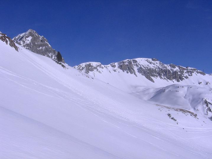 Foto: Andreas Koller / Skitour / Schliererspitze  (2402m) / Die Permuthwand (2479 m) aus dem Urbankar / 29.01.2008 01:43:40