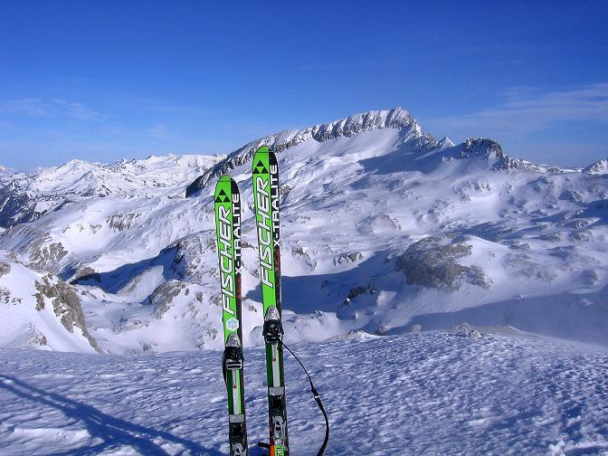 Foto: Andreas Koller / Skitour / Schliererspitze  (2402m) / Blick nach O zur Permuthwand (2479 m) / 29.01.2008 01:36:56