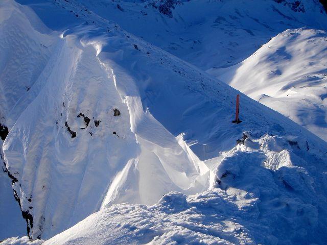Foto: Manfred Karl / Ski Tour / Kleiner Pleißlingkeil aus dem Flachautal / Beeindruckende Wechte am Gipfel / 31.01.2008 17:39:32