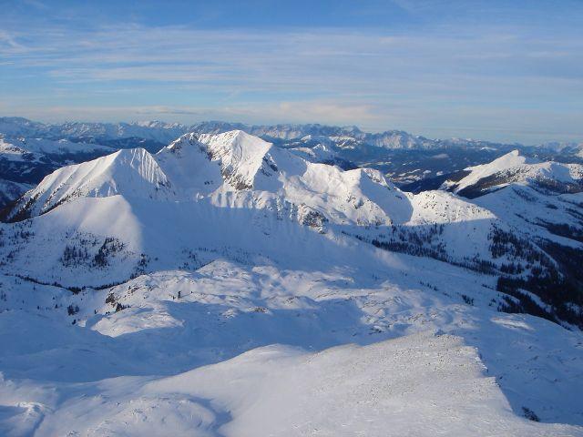 Foto: Manfred Karl / Ski Tour / Kleiner Pleißlingkeil aus dem Flachautal / Weit reicht die Sicht vom Gipfel, besonders nach Norden. / 31.01.2008 17:37:20
