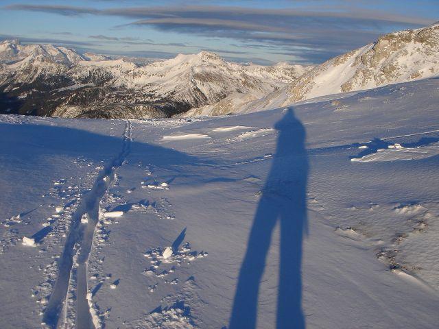 Foto: Manfred Karl / Ski Tour / Kleiner Pleißlingkeil aus dem Flachautal / Kurz unterhalb vom Gipfel - links im Hintergrund Teile des Dachsteinmassivs. / 31.01.2008 17:31:52