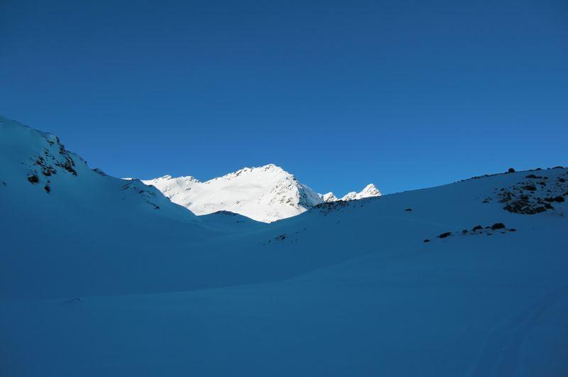 Foto: Thomas Paschinger / Ski Tour / Von Haggen auf die Weitkarspitze / endlich zeigt sich westwärts die Weitkarspitze / 12.02.2010 16:07:18