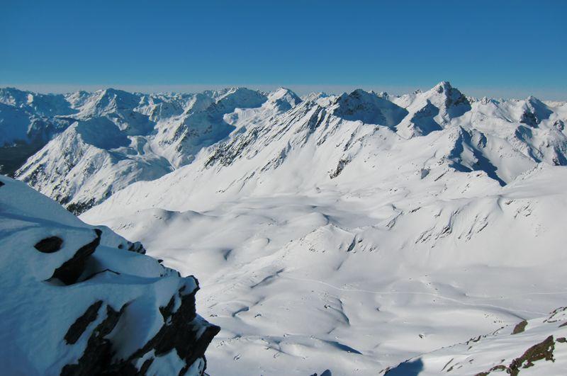 Foto: Thomas Paschinger / Ski Tour / Von Haggen auf die Weitkarspitze / Blick nach Westen: das Weite Kar / 12.02.2010 16:04:12
