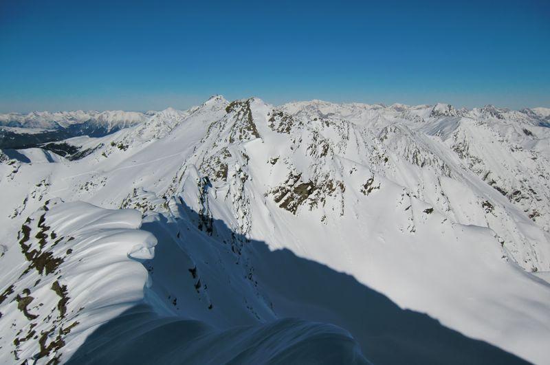Foto: Thomas Paschinger / Ski Tour / Von Haggen auf die Weitkarspitze / Richtung Norden zur Kraspesspitze, 2954m / 12.02.2010 16:03:04