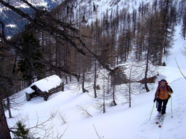 Foto: Manfred Karl / Ski Tour / Über die Schar auf das Viertleck / Bei den Scharhütten / 11.02.2008 06:26:10