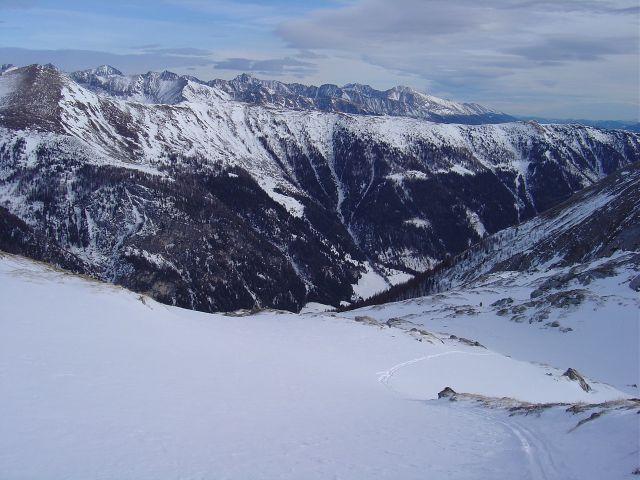 Foto: Manfred Karl / Ski Tour / Über die Schar auf das Viertleck / Blick nach Osten gegen die Schladminger Tauern / 11.02.2008 06:25:55
