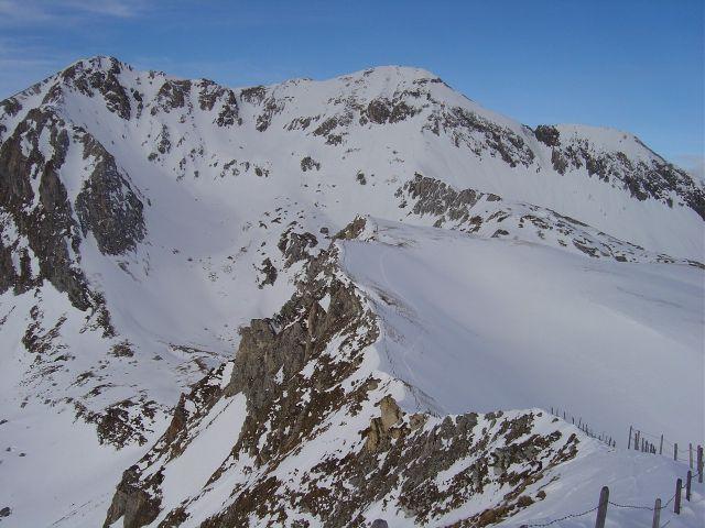Foto: Manfred Karl / Ski Tour / Über die Schar auf das Viertleck / Weißeneck mit der Südflanke und der Vorgipfel vom Viertleck / 11.02.2008 06:24:52