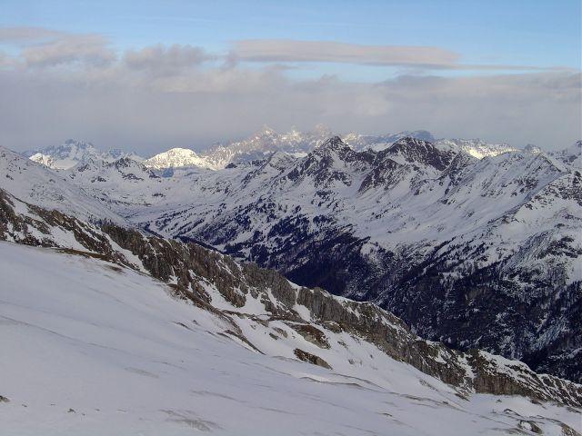 Foto: Manfred Karl / Ski Tour / Über die Schar auf das Viertleck / Blick gegen das Dachsteinmassiv / 11.02.2008 06:24:10