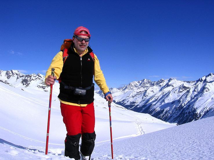 Foto: Andreas Koller / Ski Tour / Kurze Tour auf die Nasse Wand (3046m) / Anstieg um den Wiesjagglkopf herum mit Blick auf die Watzespitze (3532 m) / 16.02.2008 14:13:01