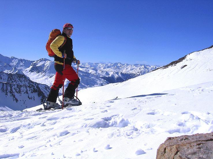 Foto: Andreas Koller / Ski Tour / Kurze Tour auf die Nasse Wand (3046m) / Am Weißseejoch (2960 m) öffnet sich der Blick nach SW / 16.02.2008 14:08:09