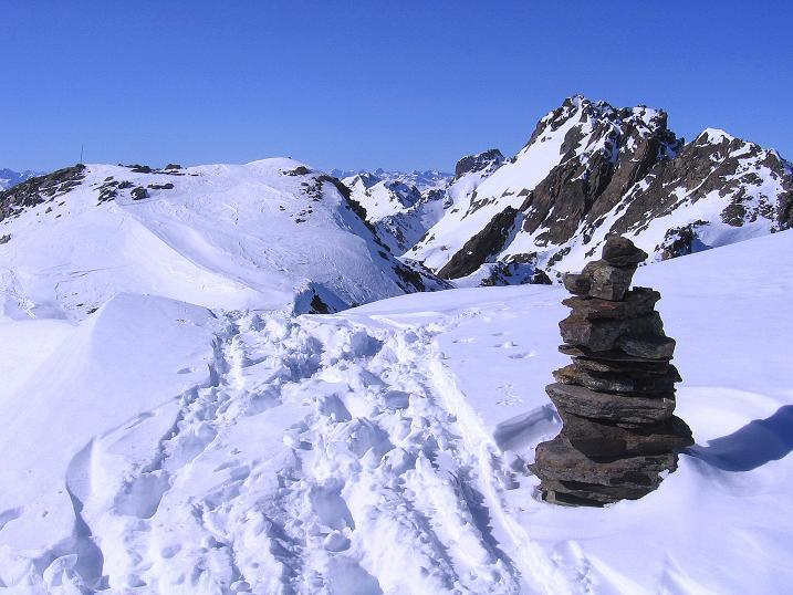 Foto: Andreas Koller / Ski Tour / Kurze Tour auf die Nasse Wand (3046m) / Auf der Nassen Wand mit Blick zur Hennesiglspitze (3141 m) / 16.02.2008 14:05:02