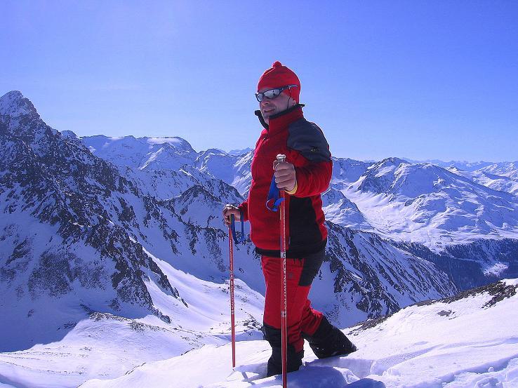 Foto: Andreas Koller / Ski Tour / Kurze Tour auf die Nasse Wand (3046m) / Weit reicht der Blick von der Nassen Wand nach Südtirol und ins Engadin / 16.02.2008 14:01:47
