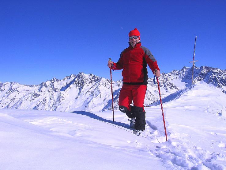 Foto: Andreas Koller / Ski Tour / Kurze Tour auf die Nasse Wand (3046m) / Am Gipfel der Nassen Wand gegen Vordere Ölgrubenspitze (3452 m) / 16.02.2008 14:01:21