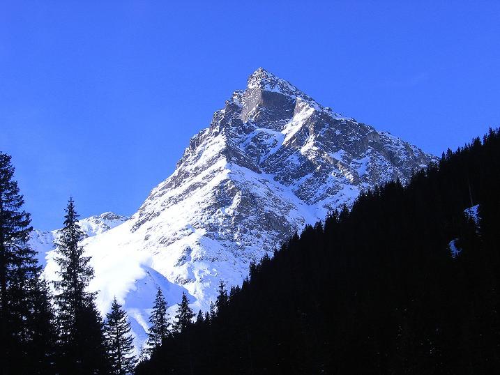 Foto: Andreas Koller / Ski Tour / Pulverschnee am Valzifenzer Grat (2515 m) / Über Gargellen thront die Madrisa (2770 m) / 17.02.2008 01:07:30