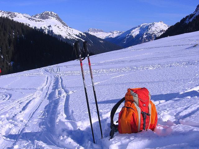 Foto: Andreas Koller / Ski Tour / Pulverschnee am Valzifenzer Grat (2515 m) / Blick nach N zur Roten Wand (2704 m) / 17.02.2008 01:06:09