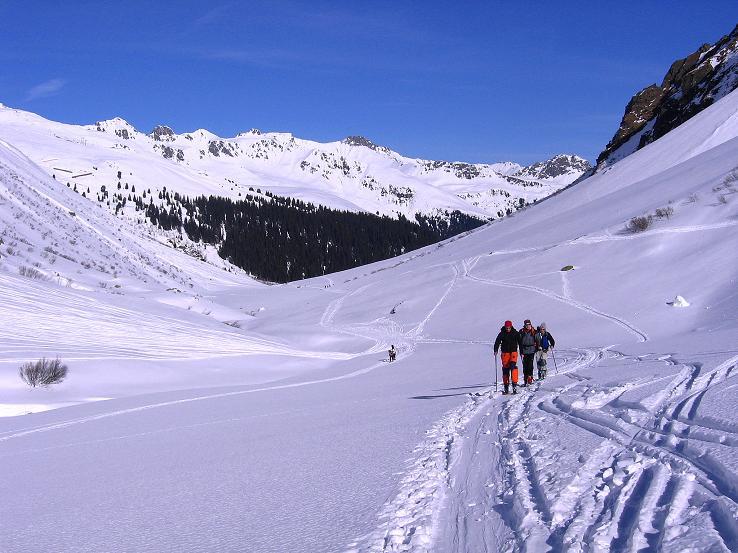 Foto: Andreas Koller / Ski Tour / Pulverschnee am Valzifenzer Grat (2515 m) / Anstieg von Gargellen weg / 17.02.2008 01:05:36