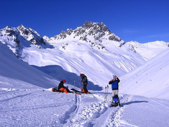Foto: Andreas Koller / Ski Tour / Pulverschnee am Valzifenzer Grat (2515 m) / Im Banne der Madrisa (2770 m) / 17.02.2008 01:04:33