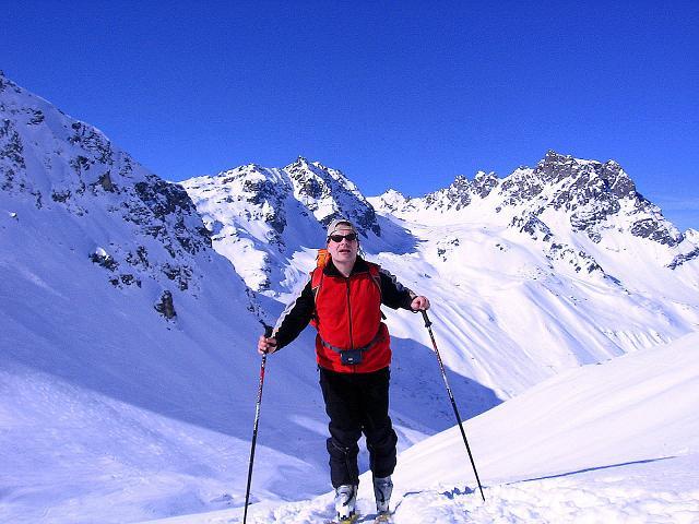 Foto: Andreas Koller / Ski Tour / Pulverschnee am Valzifenzer Grat (2515 m) / Aufstieg im Valzifenzer Tal / 17.02.2008 01:03:45