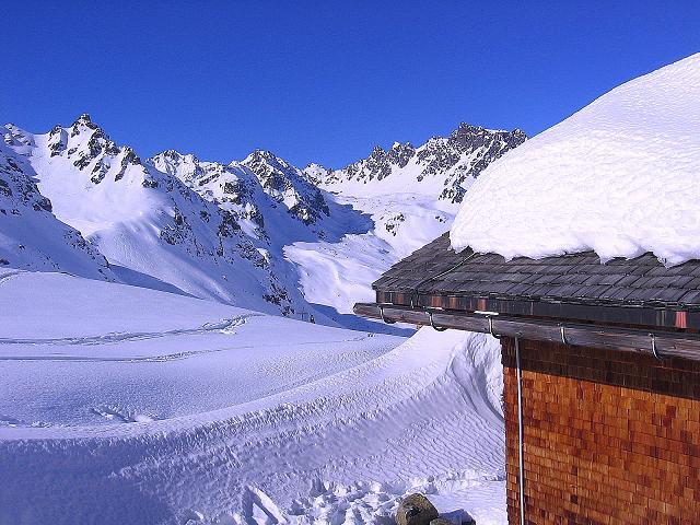 Foto: Andreas Koller / Ski Tour / Pulverschnee am Valzifenzer Grat (2515 m) / Zollhütte und Madrisa (2770 m) / 17.02.2008 01:02:05