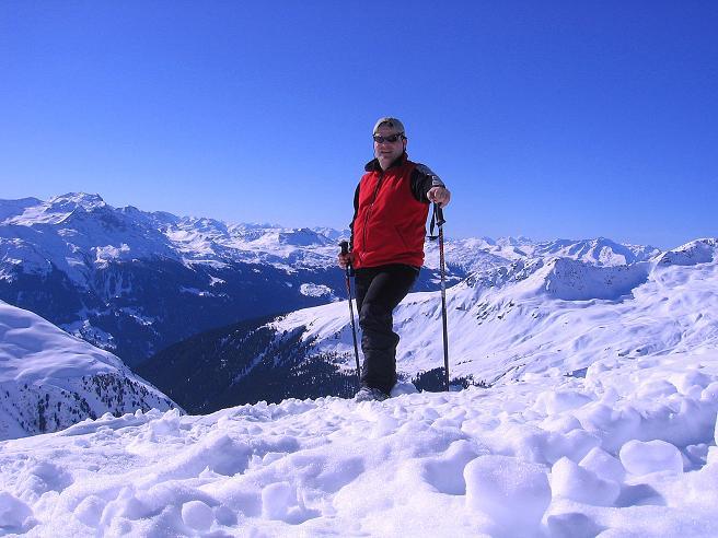 Foto: Andreas Koller / Ski Tour / Pulverschnee am Valzifenzer Grat (2515 m) / Weite Aussicht ins Schweizer Engadin / 17.02.2008 00:56:39