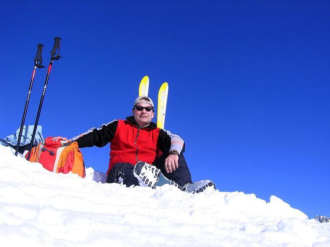Foto: Andreas Koller / Ski Tour / Pulverschnee am Valzifenzer Grat (2515 m) / Rast am Paschianikopf / 17.02.2008 00:54:39