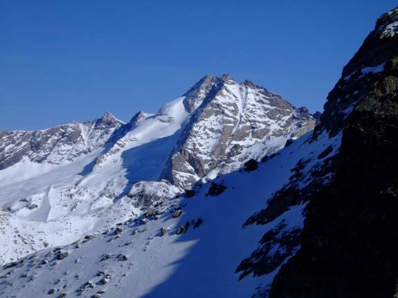 Foto: Bernhard Berger / Ski Tour / Von Innervals auf das Sumpfschartl / Olperer als ständiger Begleiter / 17.02.2008 20:38:35