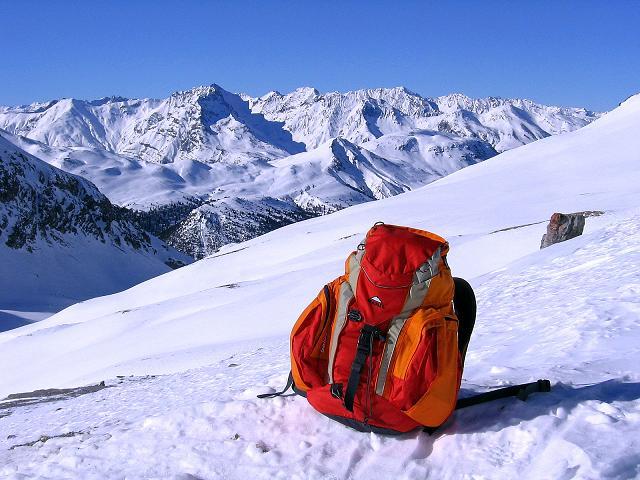 Foto: Andreas Koller / Ski Tour / Piz Vallatscha - unbekannte Tour im Engadin (3021 m) / Blick vom Valbella nach SW / 18.02.2008 01:46:03