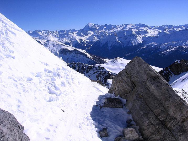 Foto: Andreas Koller / Ski Tour / Piz Vallatscha - unbekannte Tour im Engadin (3021 m) / Blick aus der steilen S-Flanke zum Ortler (3905 m) / 18.02.2008 01:41:52