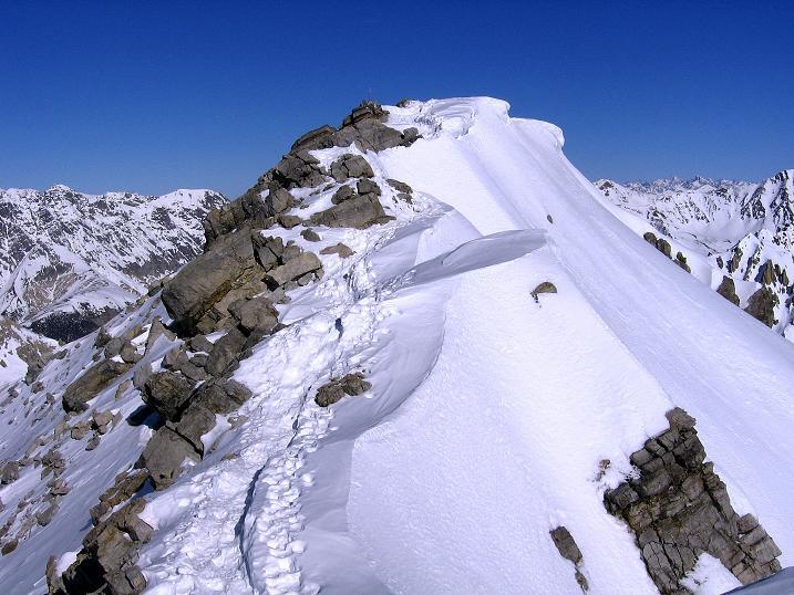 Foto: Andreas Koller / Ski Tour / Piz Vallatscha - unbekannte Tour im Engadin (3021 m) / Der kleine Gipfel des Piz Vallatscha / 18.02.2008 01:40:23