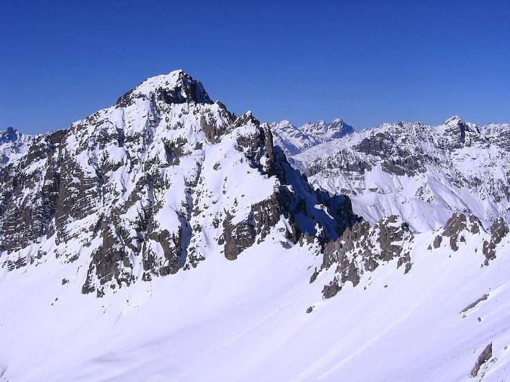 Foto: Andreas Koller / Ski Tour / Piz Vallatscha - unbekannte Tour im Engadin (3021 m) / Blick nach W zum Piz Tavrü (3168 m) / 18.02.2008 01:38:54