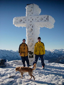 Foto: marko / Ski Tour / Schwalbenmauer über das Brunnental / Kasberg Gipfel (Marko, charly und Nelly) / 18.02.2008 11:42:24
