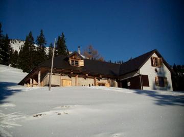 Foto: marko / Ski Tour / Schwalbenmauer über das Brunnental / Kirchdorferhütte, Charly Marko und Nelly / 18.02.2008 11:41:37