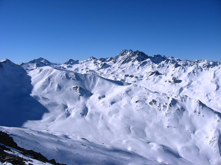 Foto: Andreas Koller / Ski Tour / Gipfelrunde im Fimbertal (3009 m) / Blick auf das Fluchthorn (3399 m) und die Tourenmöglichkeiten im Gebiet der Heidelbergerhütte / 19.02.2008 23:50:01