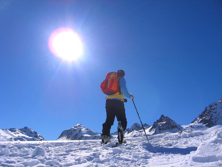 Foto: Andreas Koller / Ski Tour / Gipfelrunde im Fimbertal (3009 m) / Aufstieg im Gegenlicht / 19.02.2008 23:43:27