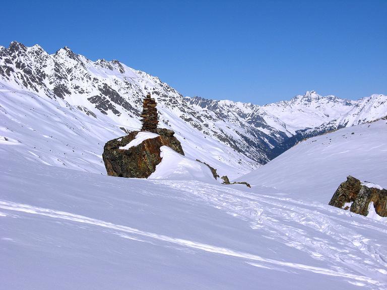 Foto: Andreas Koller / Ski Tour / Gipfelrunde im Fimbertal (3009 m) / Blick nach N am Steinmann vorbei zur Gemsbleis Spitze (3014 m) / 19.02.2008 23:43:09